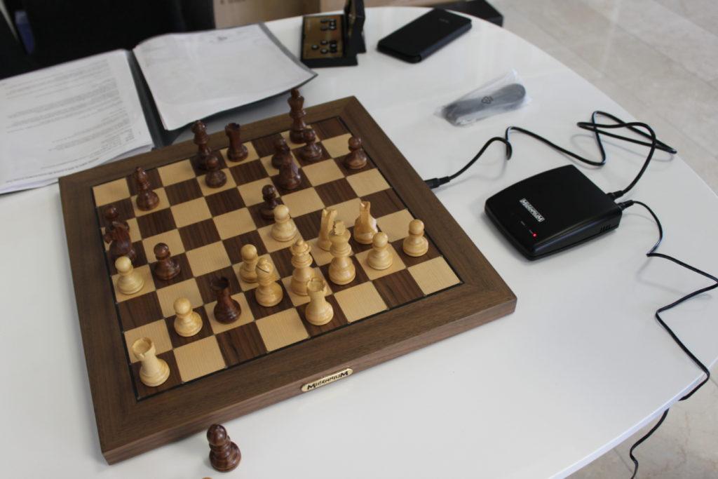 Interview mit Ossi Weiner zum Millennium Chess Link - Schachcomputer