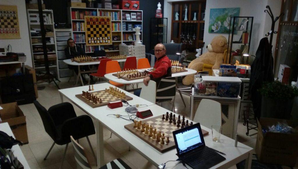 Liveübertragung im Topschach Schachcenter